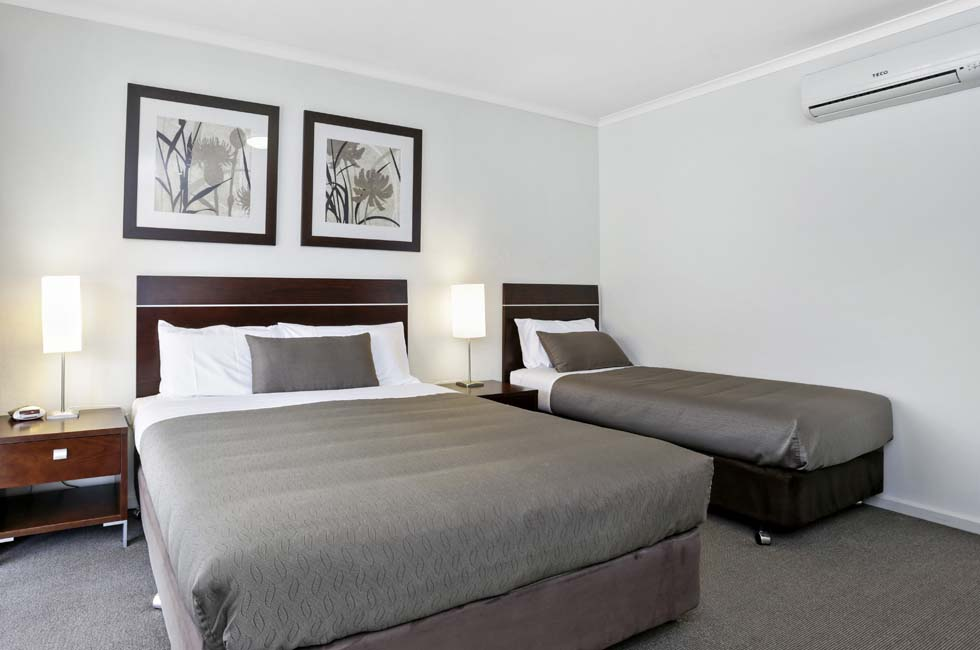 Elm Tree Motel is a 4 star rated property and is designed with the comforts of home in mind. - Warrnambool, Vic