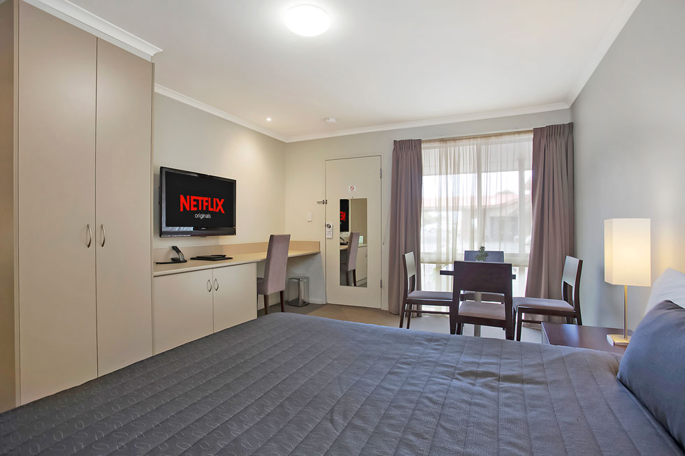 Enjoy modern and comfortable units at Elm Tree Motel. - Warrnambool, Vic